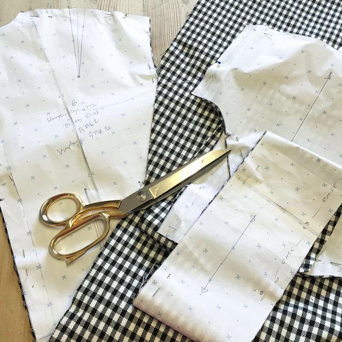 vintage simplicity 6772 cut out