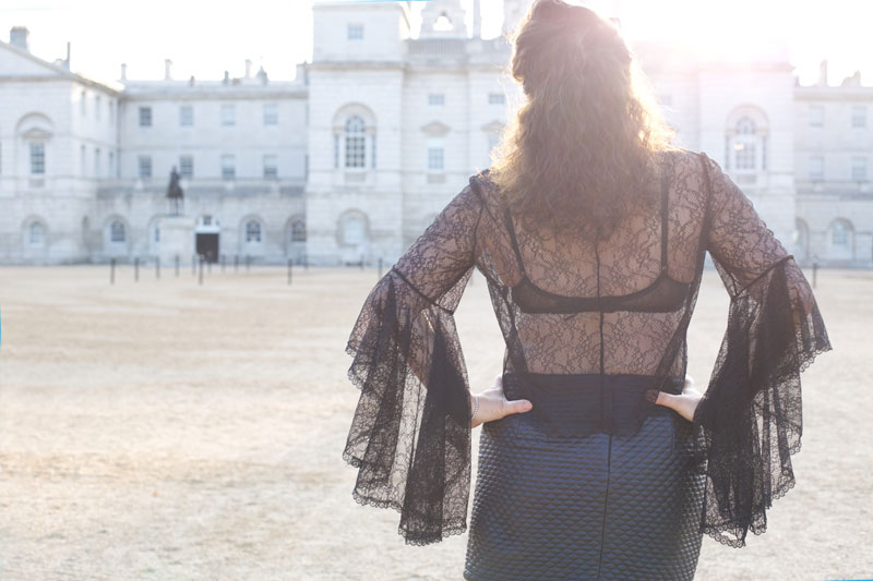 M7542 lace top back view