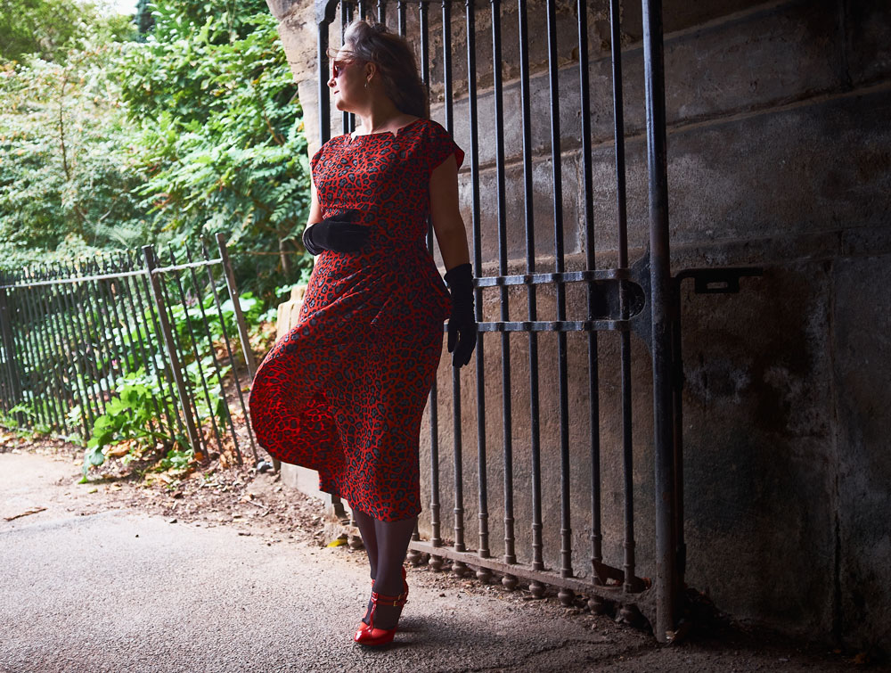 B5880 retro butterick dress shot in a tunnel