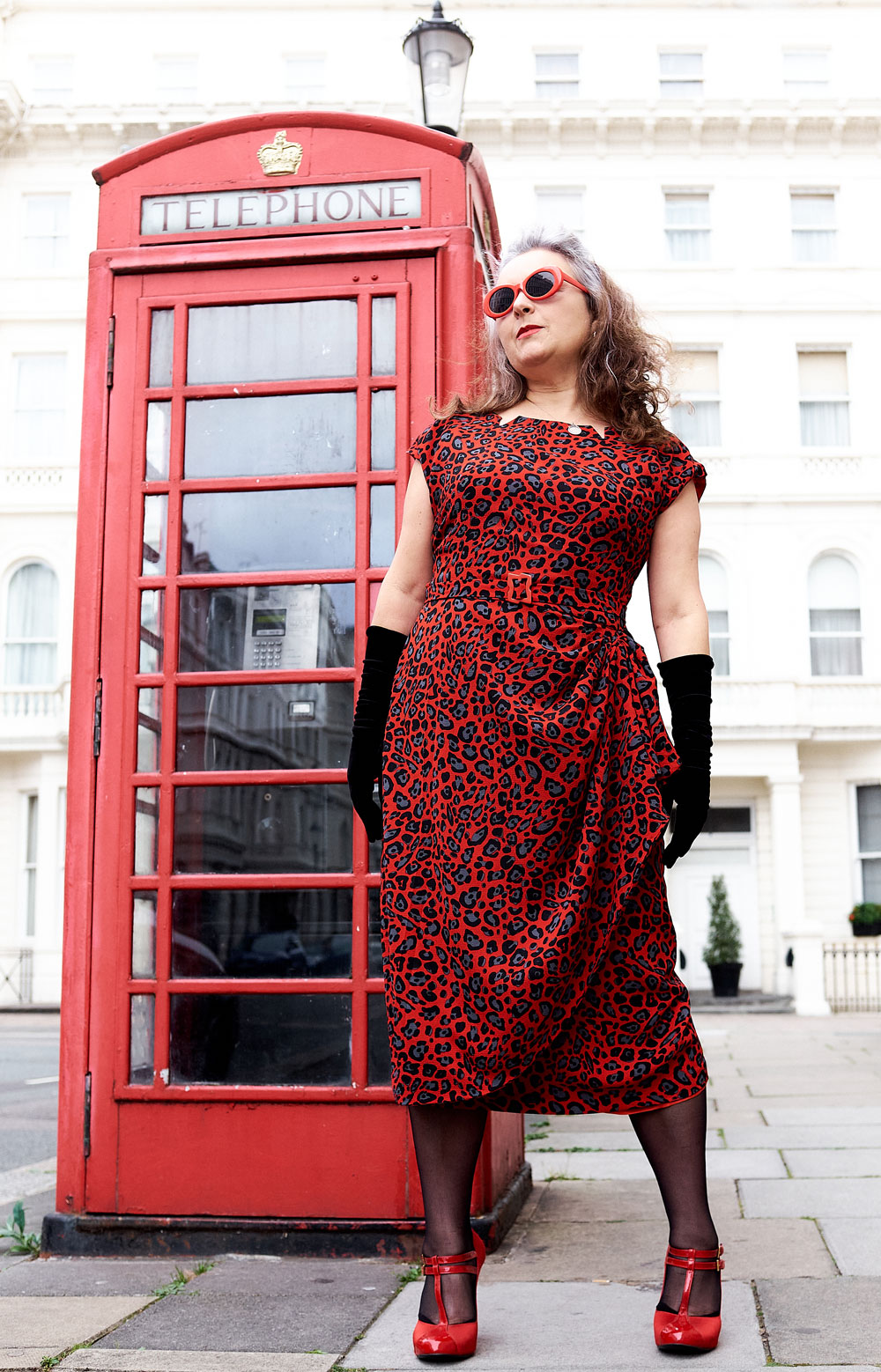 B5880 dress and London telephone box